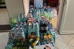 Branišovičtí nakoupili pro znojemskou nemocnici asi dva tisíce lahví nápojů.