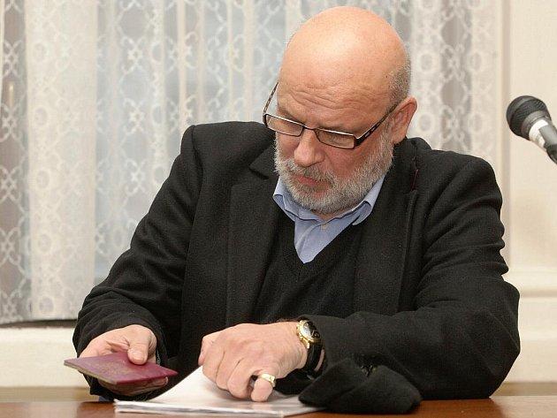 Antonín Fatrdla u brněnského soudu.