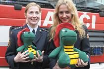 Hasíky představily také dvě hasičky, Dana Trubačová a Helena Priščáková.
