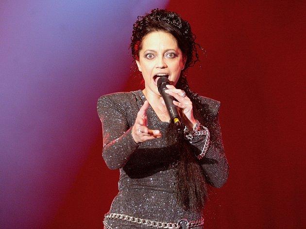 Lucie Bílá nahradila odložený koncert a vystoupila v hale Vodova.