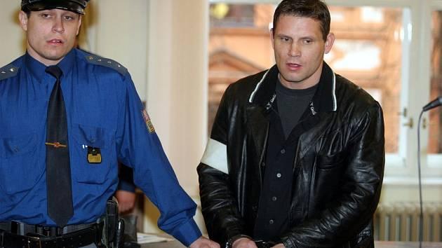 Žárlivý násilník: Vladimír Olejník