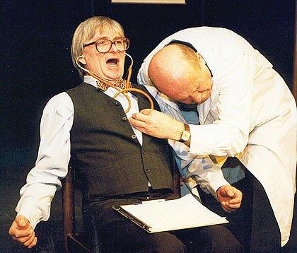 V hlavních rolích se divákům představí Petr Náročný a Ladislav Mrkvička.