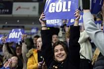 Fanoušci Masarykovy a Mendelovy univerzity při hokejovém souboji univerzit