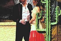 JUAN A SEŇORITA. Opereta má i romantické pasáže.