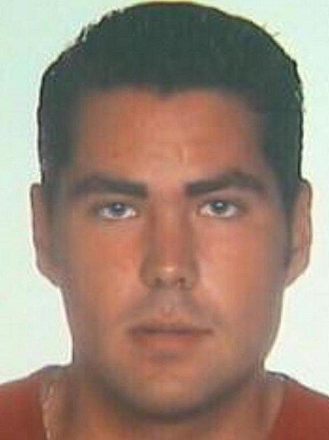 Už víc než půl roku pátrají jihomoravští policisté dvaatřicetiletém Brňanovi Davidu Záblackém. Od 2. září ho nikdo neviděl. Policisté nevylučují, že muže někdo zabil.