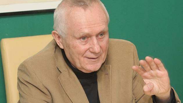 Historik a podnikatel Rostislav Zabloudil přemohl díky hladovce rakovinu.