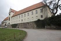 Zámek v Lomnici.