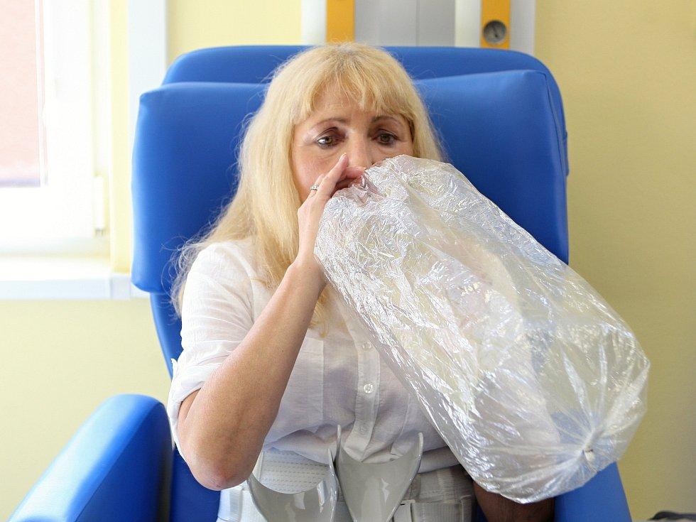 Po inhalaci konopí nesmějí pacienti nějakou dobu řídit.