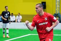 Naprosto suverénně ovládli čeští reprezentanti do 21 let základní skupinu B na mistrovství světa v malém fotbalu, které od čtvrtka do neděle hostí pražská hala Jedenáctka. V posledním duelu smetli Švýcarsko 9:0.