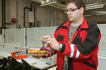 I k vytápění budovy používají v Enegry centru v Sokolnicích obnovitelné zdroje. Na modelech alternativních zdrojů energie pak studenti zkouší, jak fungují v praxi.