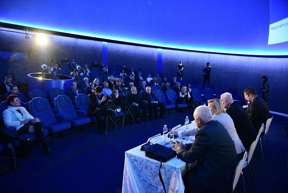 Panelová diskuze s jihomoravským hejtmanem Bohumilem Šimkem na brněnské hvězdárně v rámci projektu Deník s vámi.