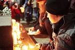 Připomínka výročí sedmnáctého listopadu v Brně s lampiony. Průvod vyšel od Moravského náměstí.