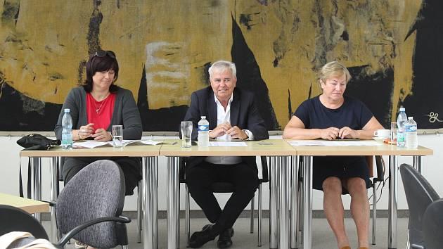 Ředitelka projektu Styl a Kabo Gabriela Císařová, generální ředitel Veletrhů Brno Jiří Kuliš a ředitelka České obuvnické a kožedělné asociace Vlasta Mayerová.