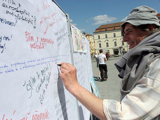 Zeď nářků na náměstí Svobody v Brně.
