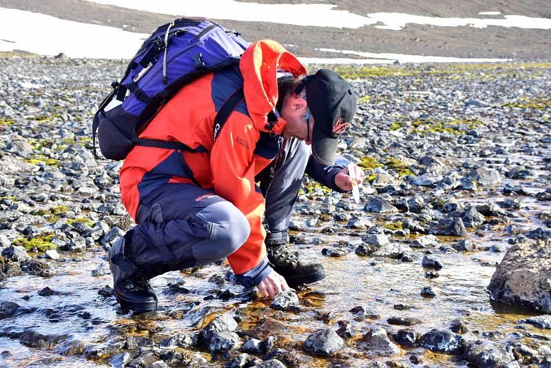 …kolik vody zrovna protéká kolem předmětu vašeho vědeckého zájmu,…