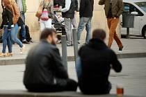 Také na oblíbeném Jakubském náměstí budou moci Brňané od konce května bez problémů pít alkohol.