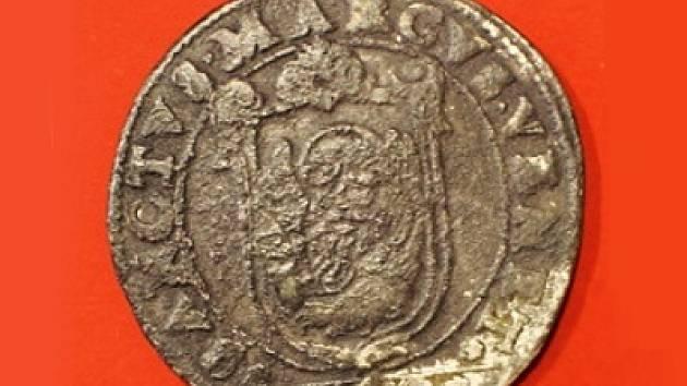 Na rubu mince ze 16. století, která pochází z italských Benátek,  je jméno svatého Marka, který je benátským patronem, a znak města.