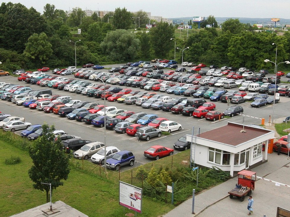 Stávající parkoviště u nemocnice v Bohunicích.
