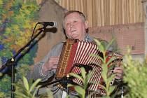 Pořádnou porci lidových písní si užili v sobotu návštěvníci Grupáče harmonikářů v Čebíně na Brněnsku. Na čtvrtý ročník akce se sjelo jedenačtyřicet muzikantů z celé republiky.