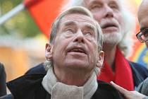 Václav Havel přijel do brněnského Divadla Husa na provázku.