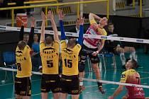 Volejbalisté Brna v první finálovém utkání podlehli na severu Čech liberecké Dukle 0:3.