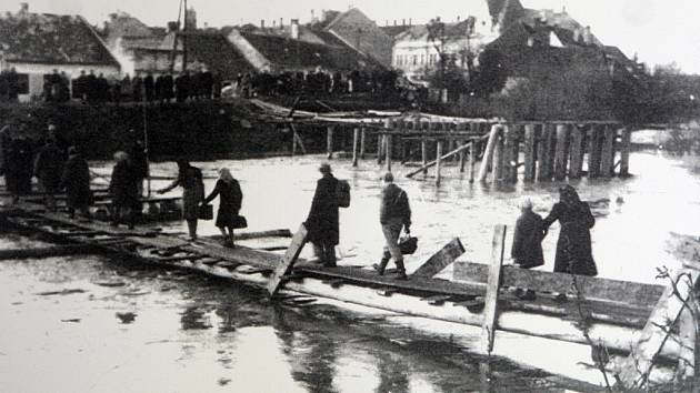 75 let od poválečné odplaty. Němce při vyhnání z Brna zabíjela úplavice