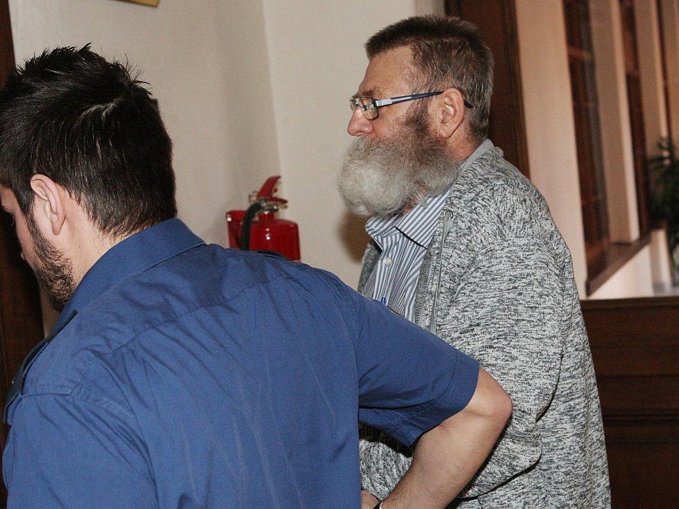Pětašedesátiletý Rus Valerij Lebeděv u brněnského krajského soudu.