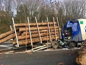 Dálnici D1 zablokovala u Rohlenky nehoda dvou kamionů. Kolona má sedm kilometrů