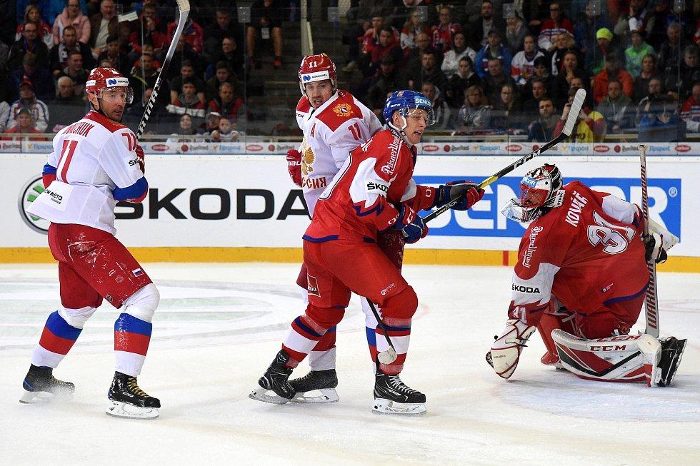 Carlson Hockey Games v brněnské DRFG aréně mezi Českem v červeném a Ruskem.