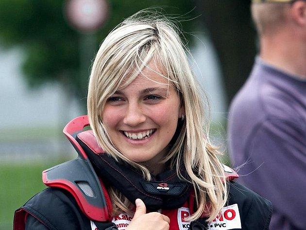 Závodnice Gabriela Jílková může být jako první žena českou automobilovou mistryní.