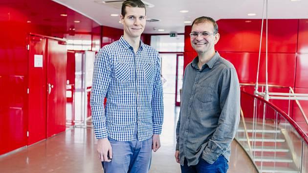 Nejprestižnější české ocenění za vědu, výzkum a inovace Česká hlava letos získali dva odborníci z brněnské Masarykovy univerzity – Karel Škubník (vlevo) a Jiří Damborský.