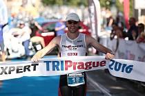 Brněnský triatlonista Karel Zadák nečekaně zvítězil v závodu mistrovství republiky ve středním triatlonu TRIPrague.