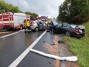 Silnici I/43 u Kuřimi na Brněnsku uzavřela v úterý odpoledne vážná nehoda dvou osobních aut.
