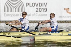 Lukáš Helešic (na snímku vpravo) společně s Jakubem Podrazilem při své druhé společné účasti na mistrovství světa dospělých skončili sedmí.