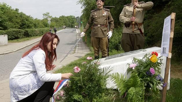 Před jedenasedmdesáti lety zachránil Brno před zatopením a málem obětoval život. Tak si lidé pamatují hrázného Františka Šikulu. Už sedmatřicet let si jeho památku připomínají. Naposledy v sobotu v jedenáct hodin dopoledne.