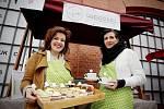 U brněnského nákupního centra Vaňkovka dostali lidé možnost zkusit libanonské, indické nebo vietnamské speciality. Trhy, které kromě zmíněných lákadel nabízí i další jídla a pochutiny, začaly v pátek v deset hodin ráno.