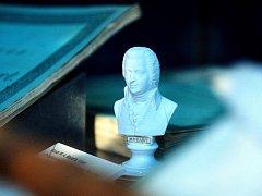Výstavu připomínající 260. výročí narození skladatele Wolfganga Amadea Mozarta připravilo Moravské zemské muzeum v Brně. V expozici je i vzácný dobový opis.