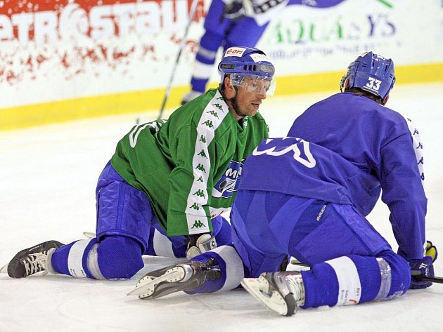 Trénink hokejistů Komety Brno.