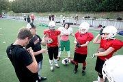 Redaktorka Brněnského deníku Rovnost Alžběta Nečasová strávila den jako hráčka amerického fotbalu.