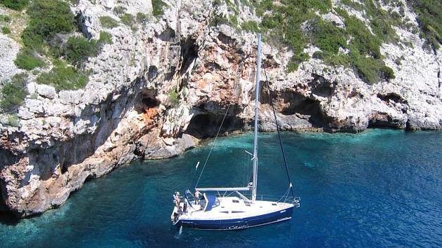 Jachting je pro někoho krásný koníček, pro jiného tvrdá řehole.