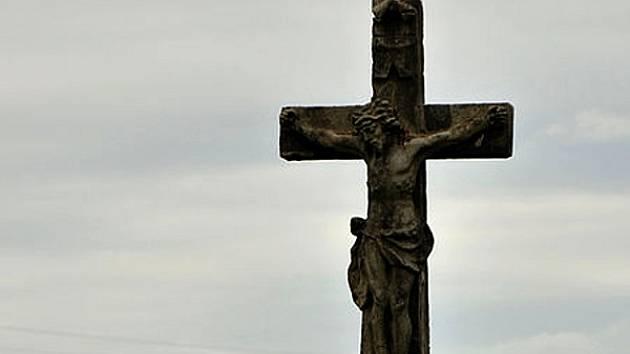 Kříž u cesty.
