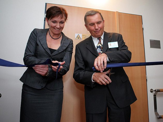 Masarykův onkologický ústav představil nový radioterapeutický simulátor.
