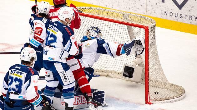 Hokejisté Komety v úvodních zápasech v Třinci zaostali.
