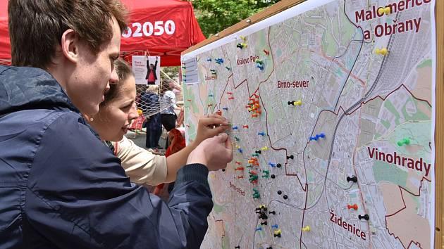 Pocitová mapa - lidé ošpendlíkovali Brno.