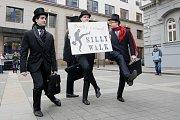 Silly Walk, pochod švihlé chůze v Brně.