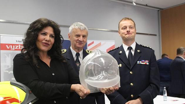 Cenu ve výši téměř dvou milionů korun si už za měsíc převezmou vítězové Ankety Dobrovolných hasičů roku 2019.