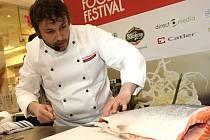 Speciality z lososa připravil Petr Fučík z restaurace Koishi.