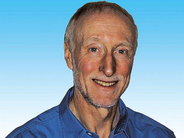 Tom Hutchinson je autorem nejpopulárnější učebnice angličtiny v Evropě.