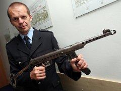Vrácené zbraně, které jejich majitelé drželi bez povolení.