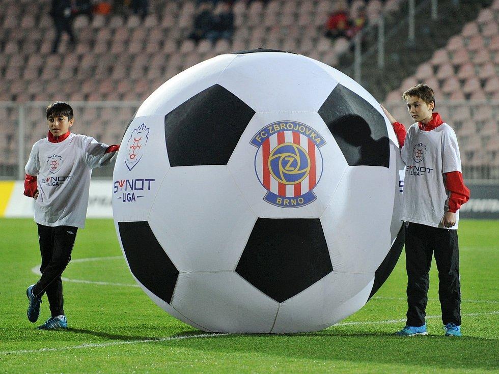 V třináctém kole první fotbalové ligy Brňané vydolovali výhru 3:1 nad favorizovaným Libercem po bojovném výkonu.